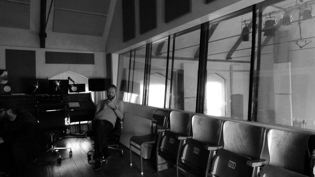 Leo1_studio_small